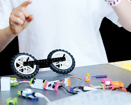 Components of little bits kits, used in simple and fun engineering workshops